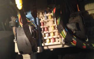 Где находится предохранитель на прикуриватель форд фокус 2 рестайлинг (видео)