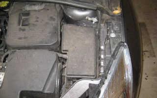 Блок предохранителей под капотом Форд Фокус 3: разъясняем детально