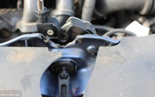 Не открывается капот Форд Фокус 2 что делать: это необходимо знать